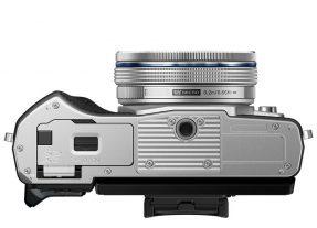 Olympus OMD E-M10 mark III zilver + 14-42mm EZ zilver-4507